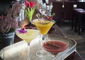 Cocktails-2-Crop-300x200